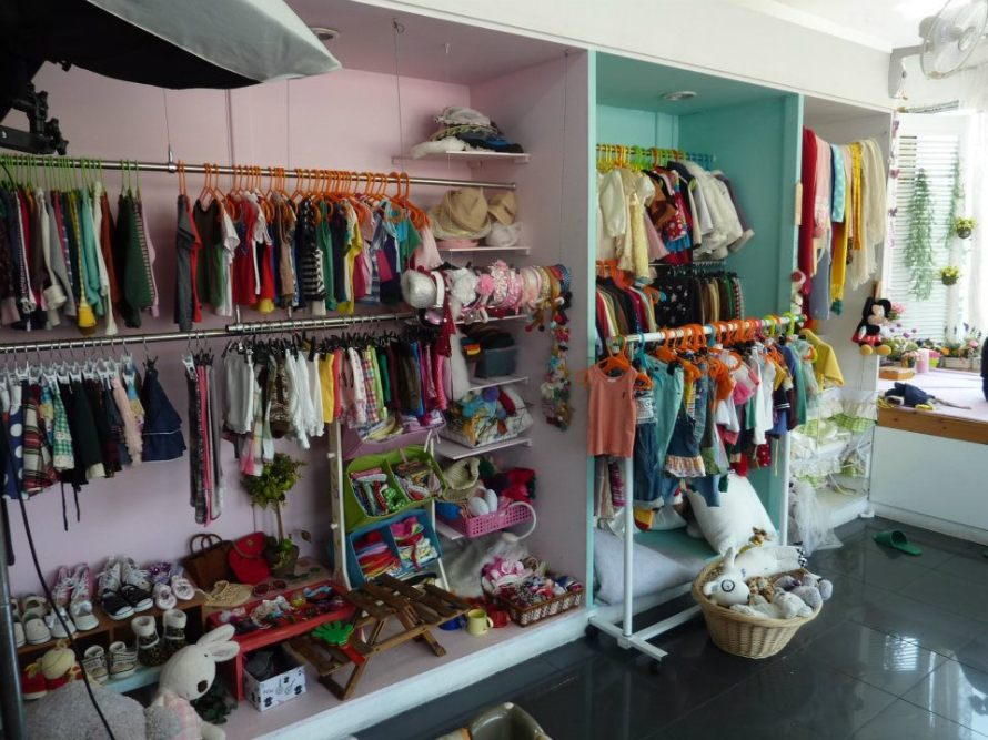 Huge selection of clothing and accessories.