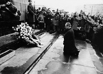 On December 7, 1970, the Chancellor of Germany knelt before the Warsaw Ghetto Heroes Memorial in a gesture of humility and penance towards the victims of Nazism.
