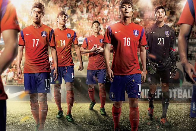 나이키-2014년-한국-국가대표-축구팀-유니폼-1
