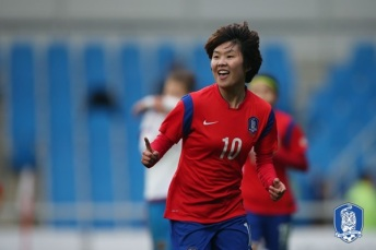 Ji So-Yun. Photo by widecoverage.co.kr