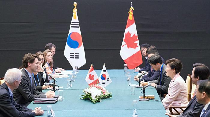 Korea_Canada_Summit_20151118_02