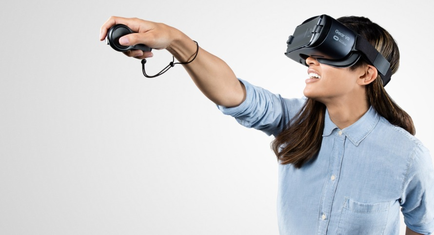Gear-VR-Powered-by-Oculus-Oculus.jpg