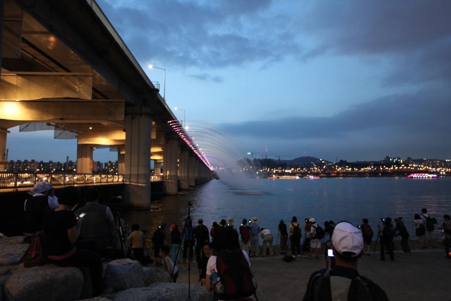 Han_River,_Banpo_Bridge_(36)
